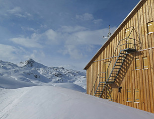 Heilbronner Hütte im Winter